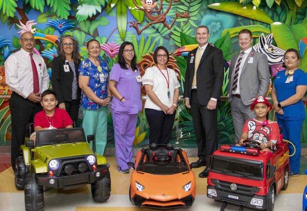 Niños que viajan con estilo a la cirugía en el South Texas Health System Children's